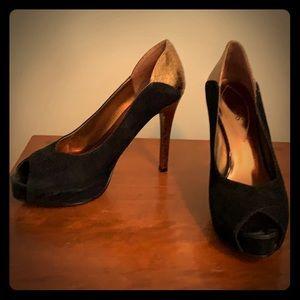 Gorgeous black suede heel